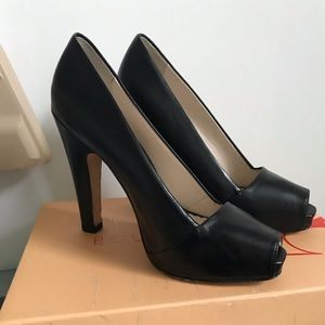 Boutique 58 Leather Peep Toe Pump leather Sz 7